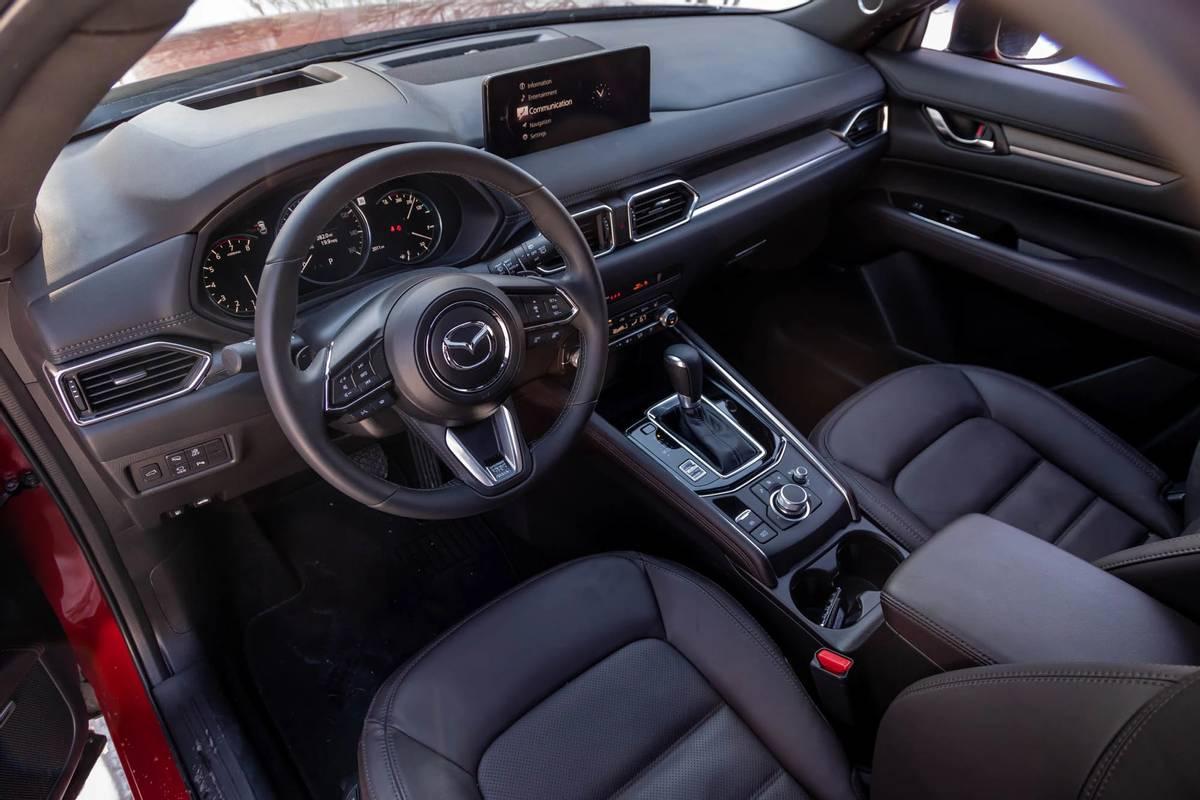 mazda-cx-5-2021-14-cockpit-shot--dashboard--front-row--interior.jpg