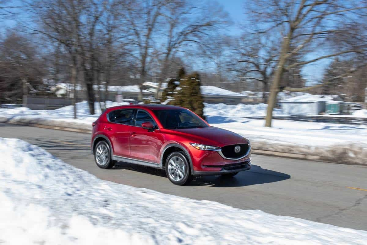 mazda-cx-5-2021-02-angle--exterior--front--red.jpg